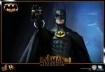 Hot%20Toys_Batman_Batman_PR11