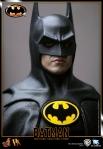 Hot%20Toys_Batman_Batman_PR16