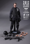 Hot%20Toys%20-%20Lt_%20Jim%20Gordon%20Collectible%20Figurine%20(S_W_A_T_%20Suit%20Version)%20(2012%20Toy%20Fairs%20Exclusive)_PR14