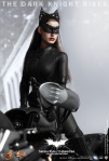 Hot Toys - The Dark Knight Rises - Selina Kyle - Catwoman Collectible Figure_PR11