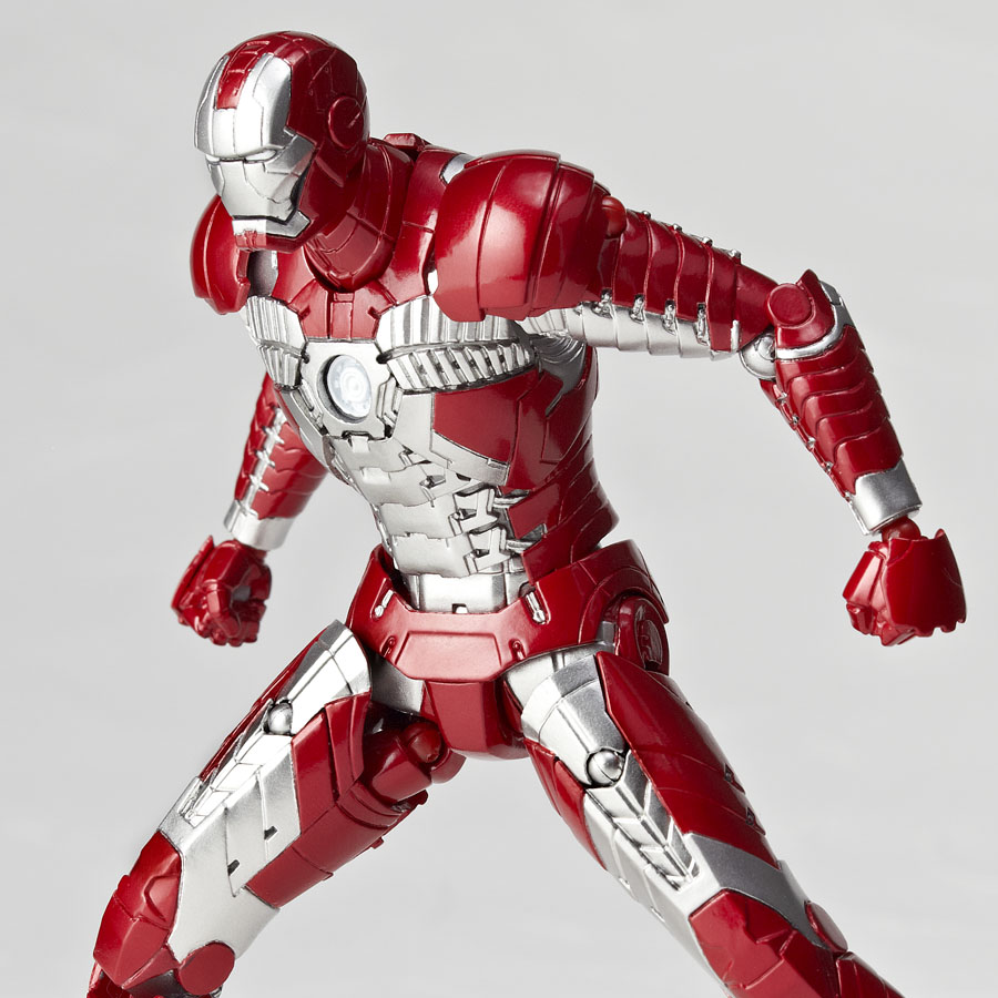 fotos de iron man mark v revoltech. Black Bedroom Furniture Sets. Home Design Ideas
